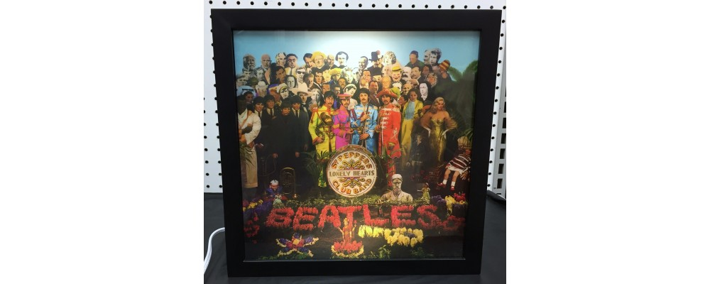 Beatles Sgt Pepper's Lonely Hearts Club Band - Album Cover Print - Lightbox